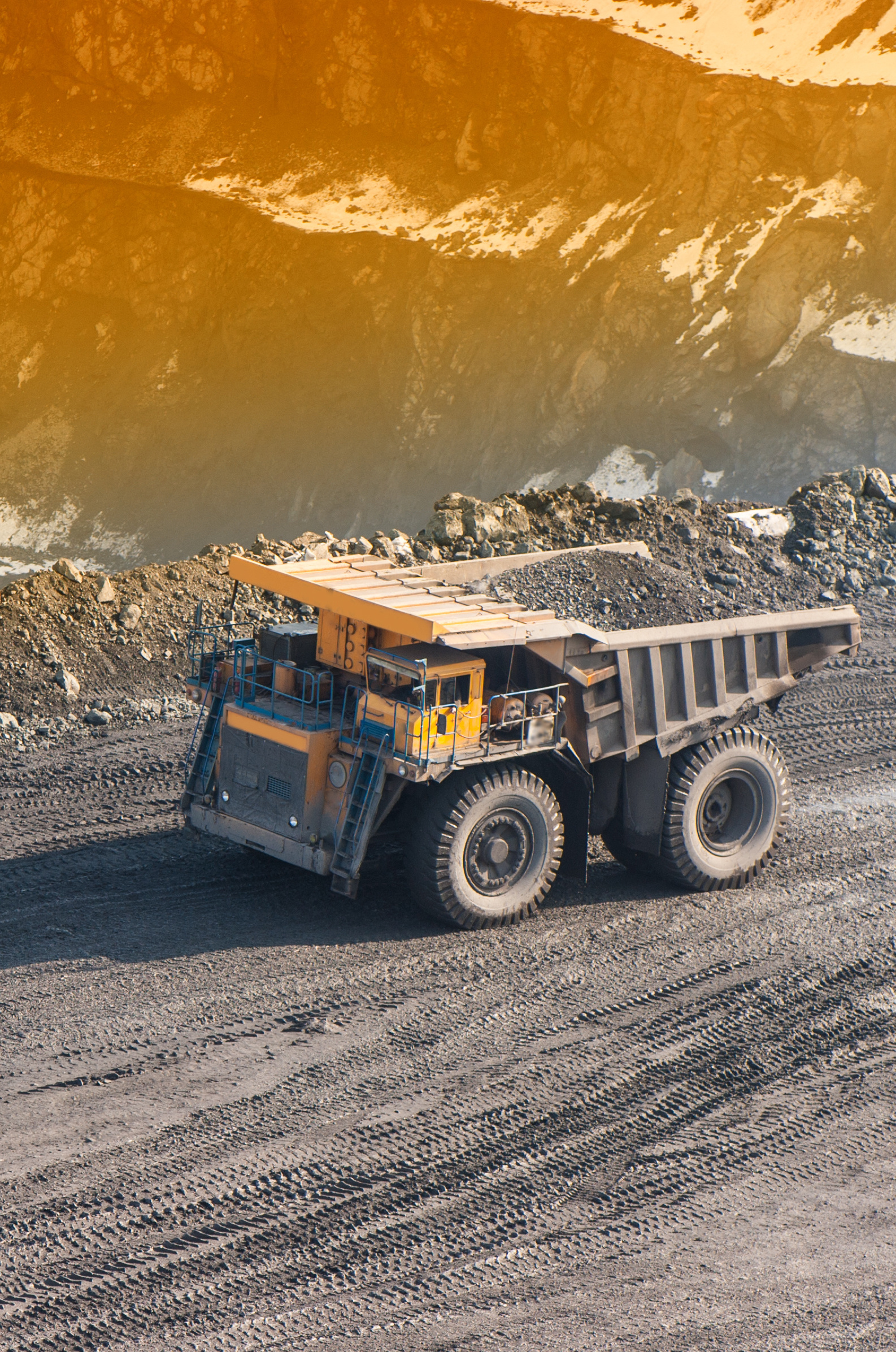 Mining - 62373557 - Cropped.jpg