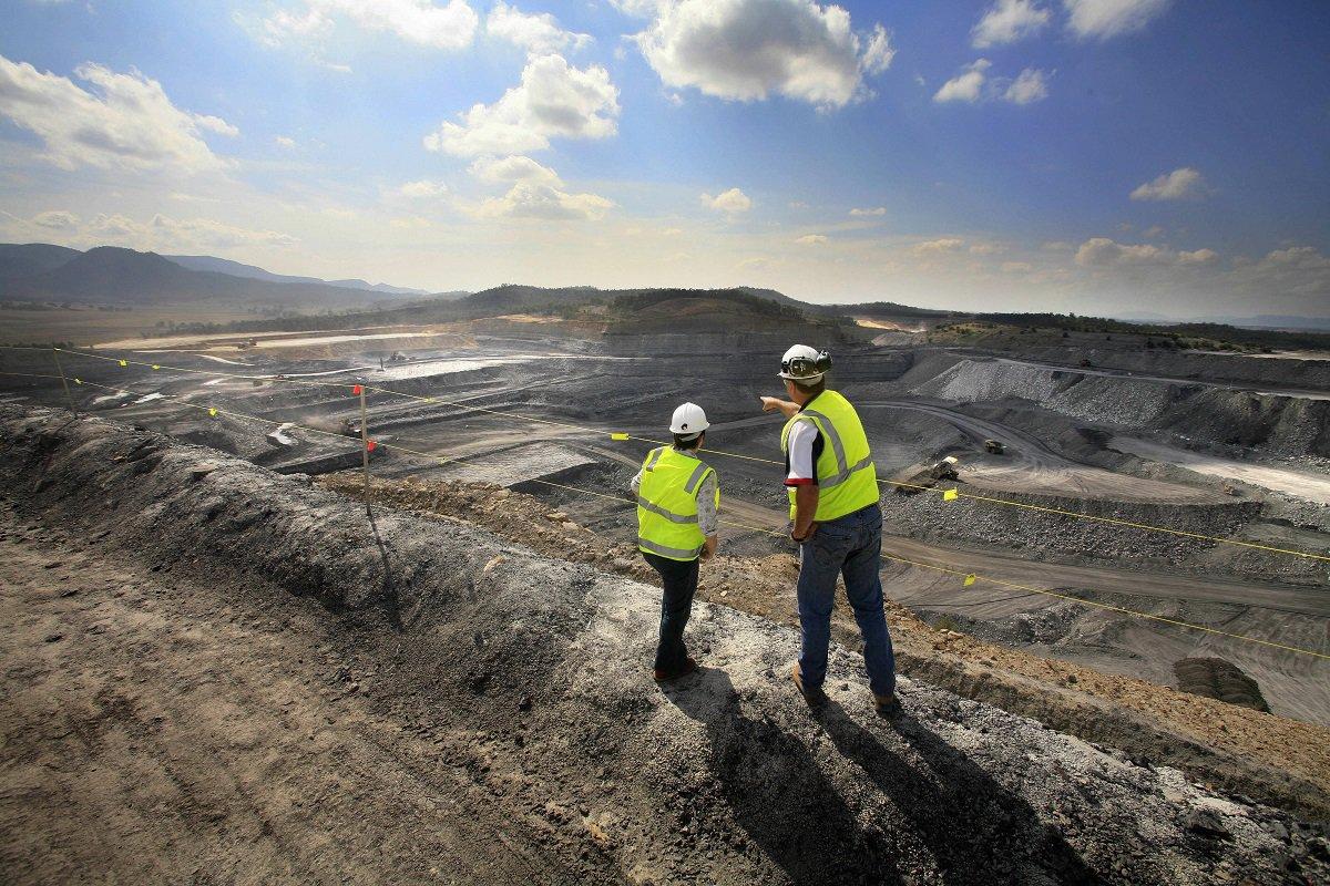 mining-workers.jpg